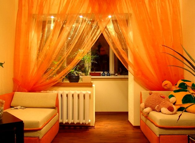 Застекленный балкон с комнатой