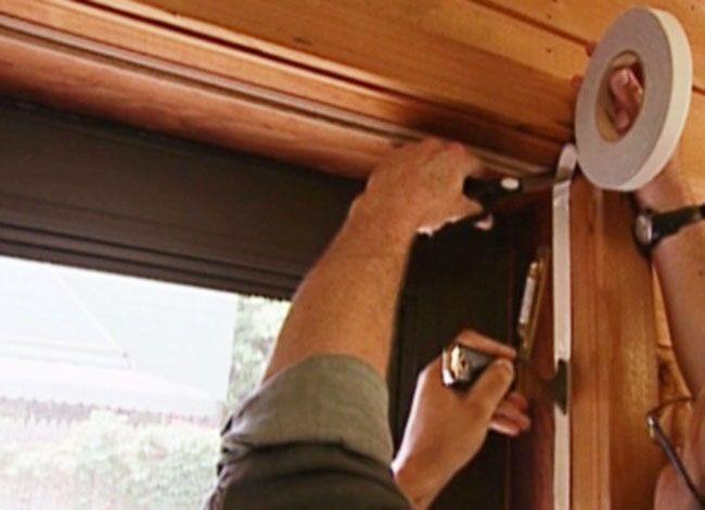 Установка уплотнителя деревянной двери