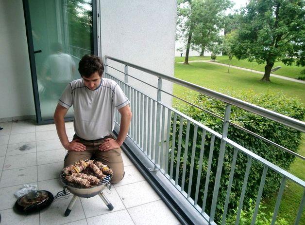 Барбекю на балконе