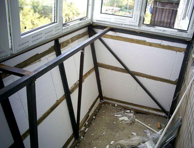 Создаем спальню на балконе