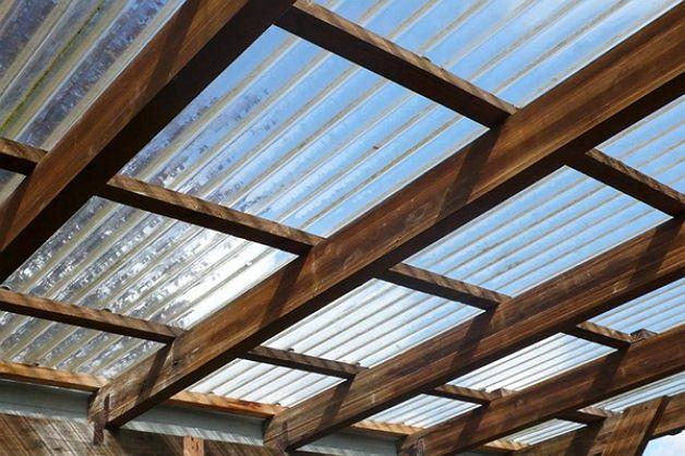 Остекление потолка веранды поликарбонатом