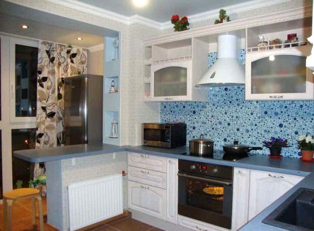 Объединенная лоджия и кухня с блоком подоконника