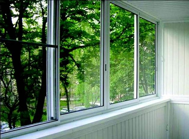 Алюминиевое окно на лоджии