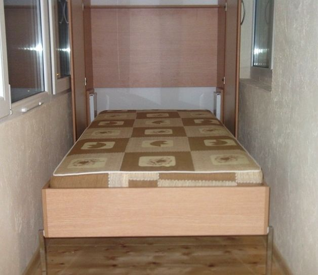 Организация спального места на балконе