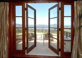 Двери для балкона